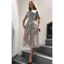 Платье с гипюровой юбкой серое